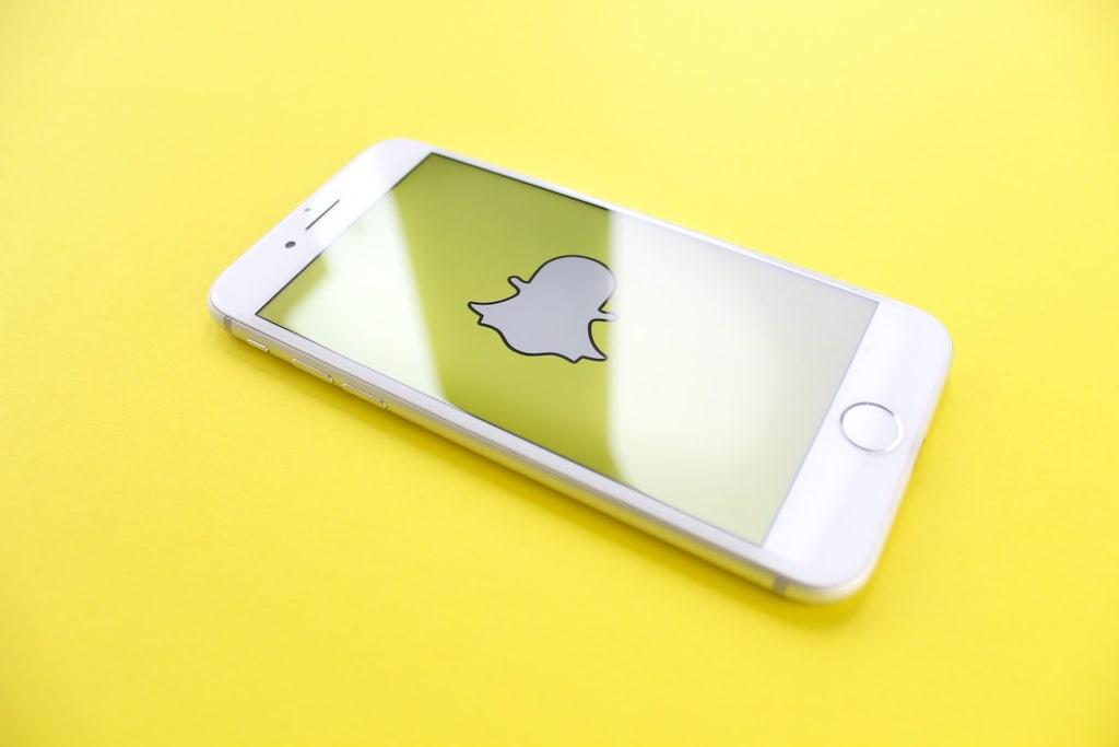snapchat stuck on sending